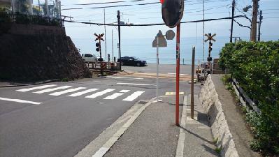 04鎌倉高校前踏切2