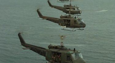 「 地獄の黙示録 」ほどにUH-1ヘリコプターの魅力を引き出した戦争映画を私は知らない