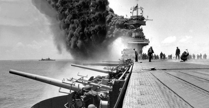 ミッドウェイ沖海戦(米軍撮影)