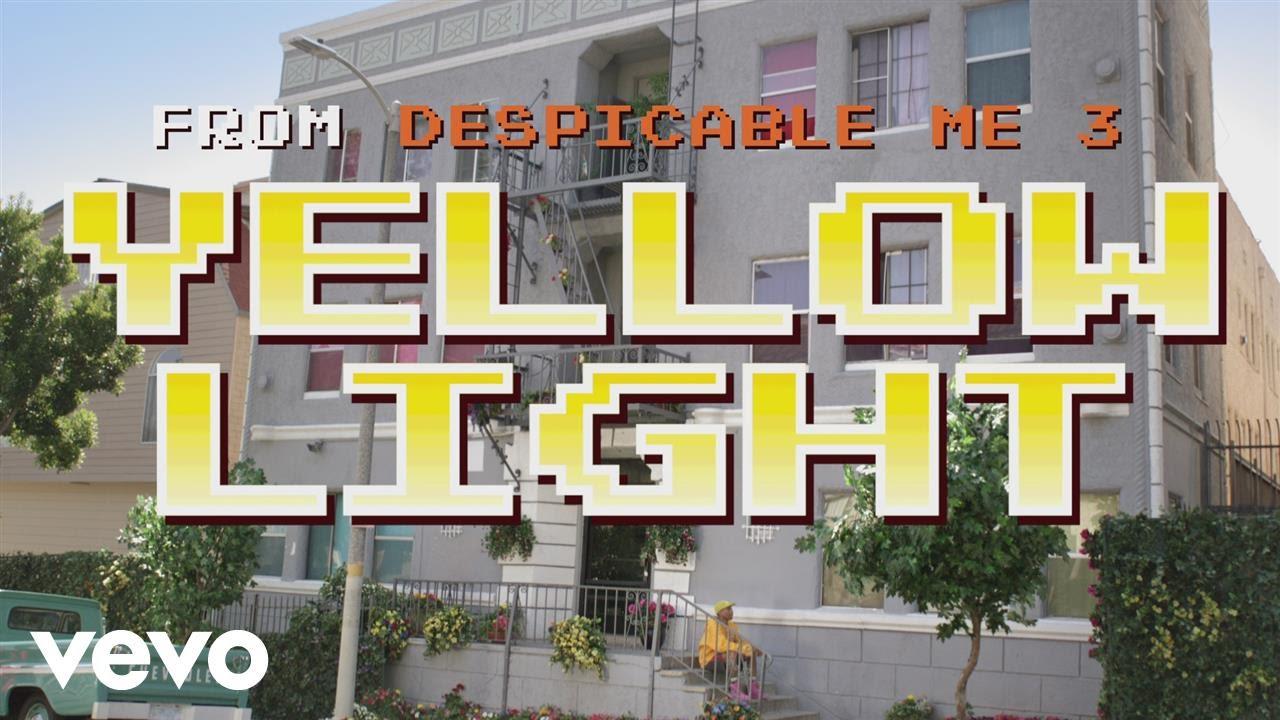 ドット絵のミニオン達が町中を闊歩する!「 イエロー・ライト 」のMVをもうチェックした?