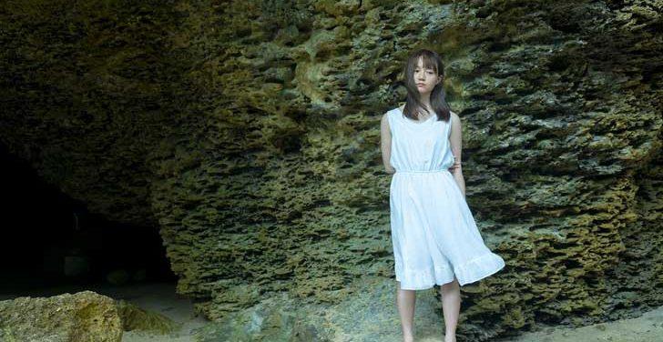尾崎由香 写真集発売!!眩しく透明な彼女に迫る・・・。