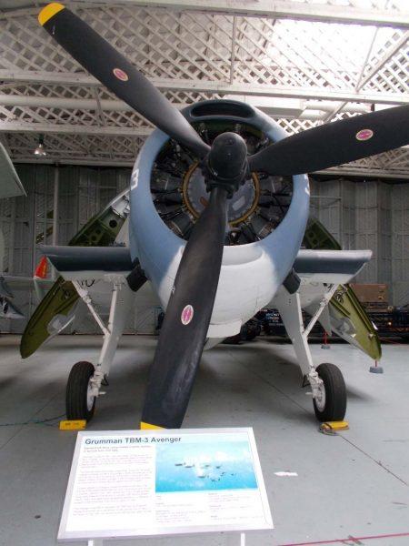 米海軍のグラマンTBM-3アベンジャー爆撃機。小川氏の回想では「戦闘機」とあったが、爆弾を落としていったという証言から、こちらのアベンジャー爆撃機だった可能性もある。写真2019年頃撮影:ダグスフォート帝国軍事博物館より